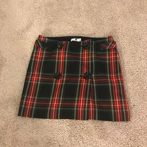 Plaid mini skirt with buttons